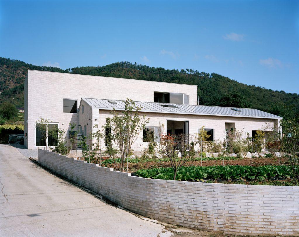 House Jipyeong là một dự án tiêu biểu của IWMW