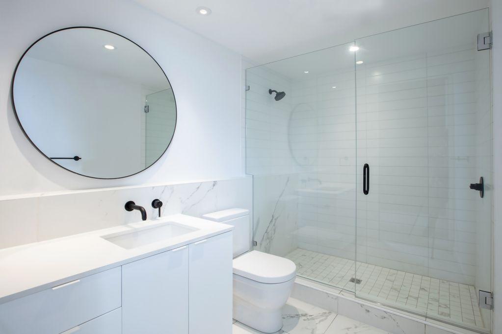 Thiết kế phòng tắm với vật liệu porcelain