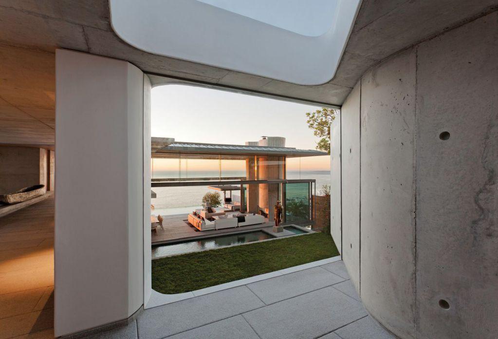 Gạch lát nền vân cement giúp mang đến một vẻ đẹp cuốn hút và thanh lịch cho không gian